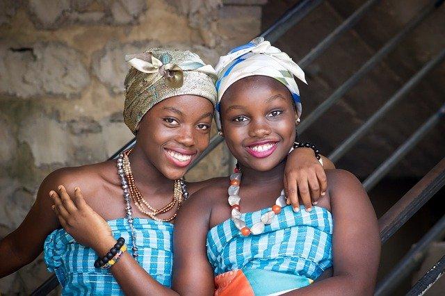 Fatou et sa soeur